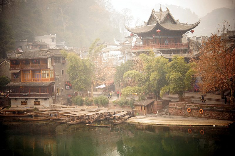 china, contented traveller