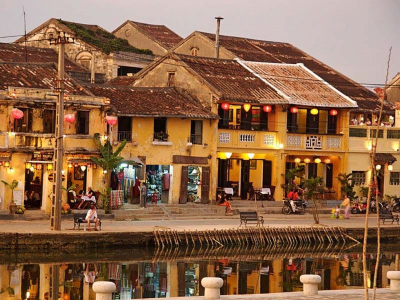 When in Hoi An Vietnam – visit a tailor