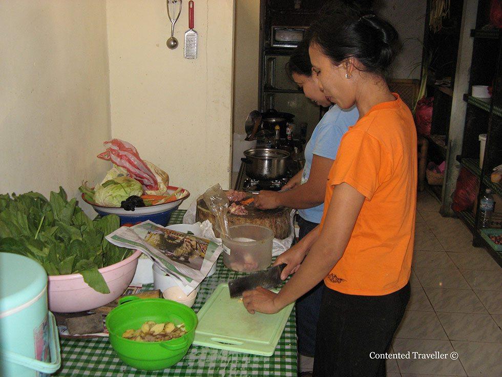 cooking balinese food