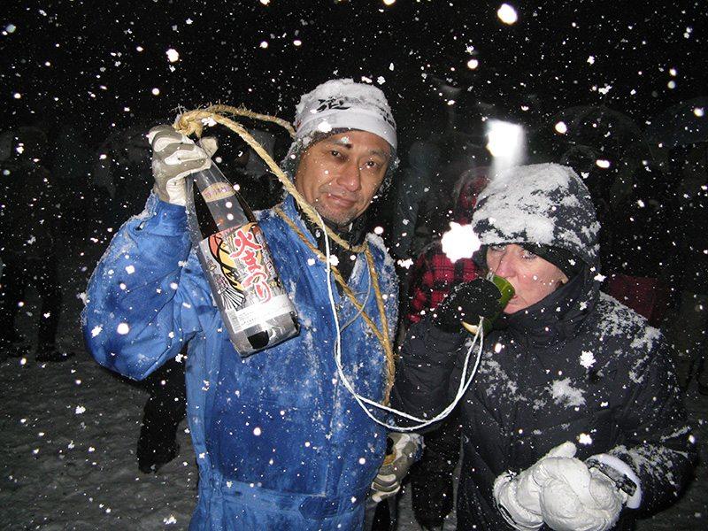 drinking-sake-in-japan