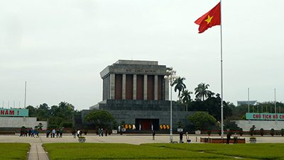 An intimidating experience. Visiting – Ho Chi Minh Mausoleum