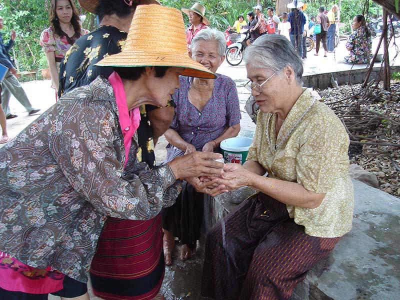 Songkran_in_Wat_Kungthapao