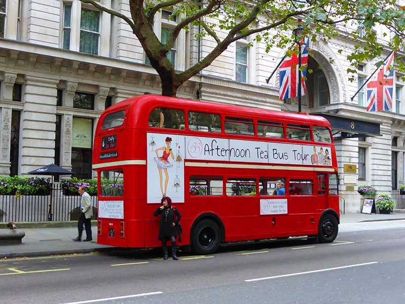 A unique way to have afternoon tea in London – with BB Bakery Bus Tour