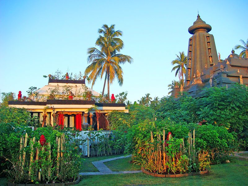 Puri Dadap Merah - Outdoor garden (1)
