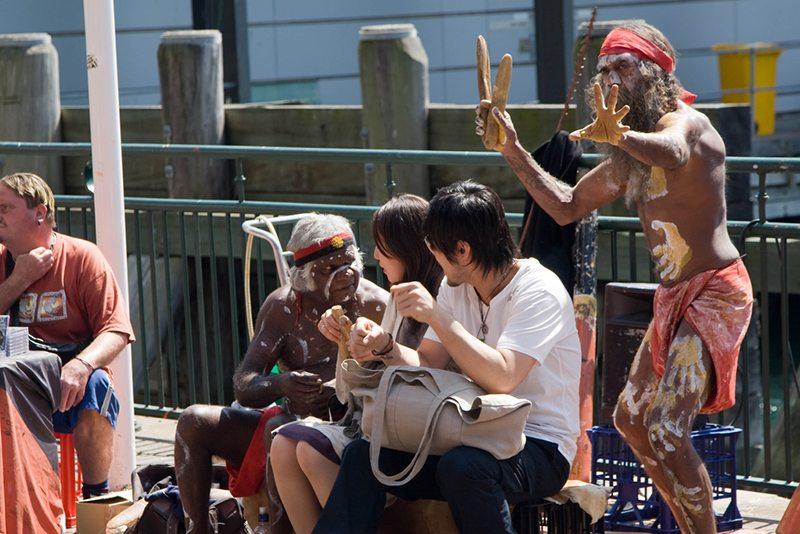 sydney-street-performers