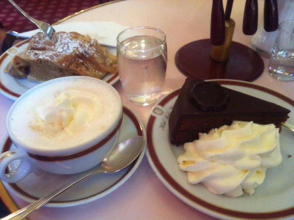 Cafe-Sacher-Wien