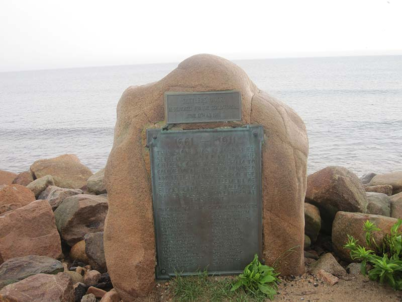 Settler's_Rock_on_Block_Island_