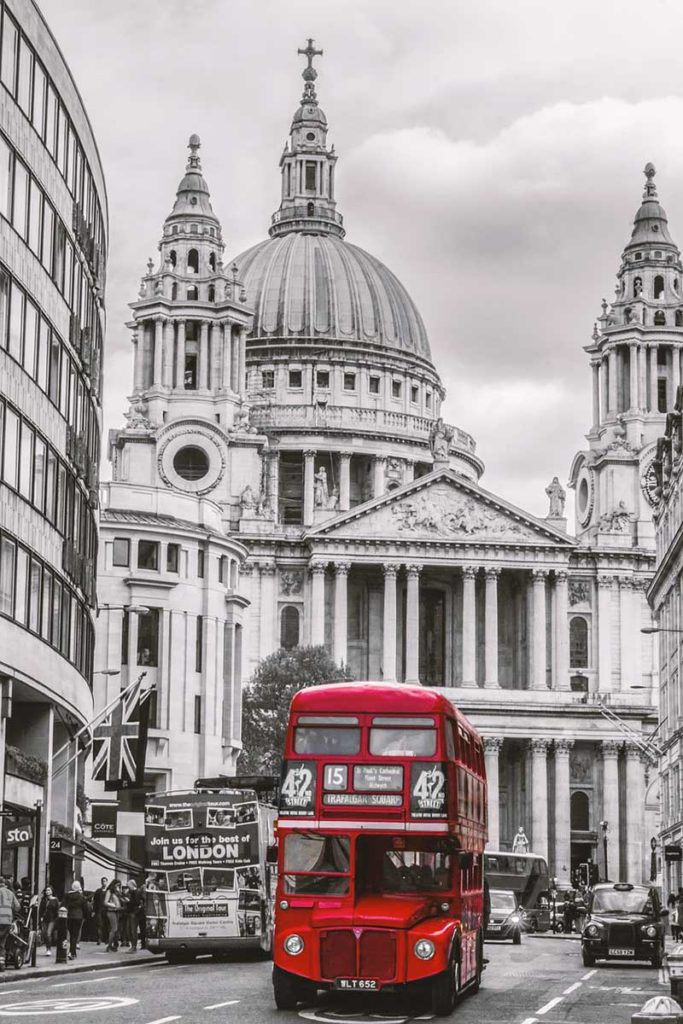 50 Top Things to See and Do in London