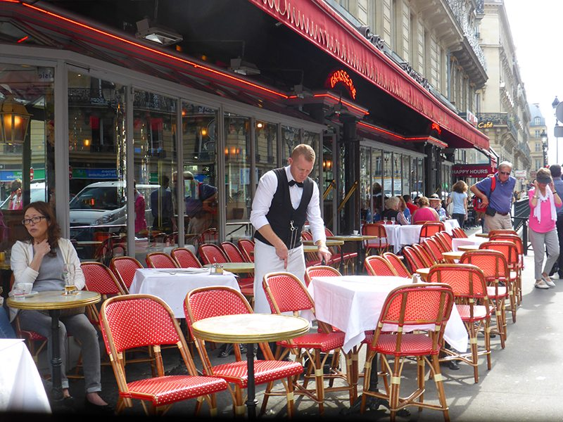 14 Do's and Don'ts in Paris