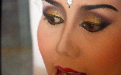 Balinese Dance Makeup -Behind the Scenes