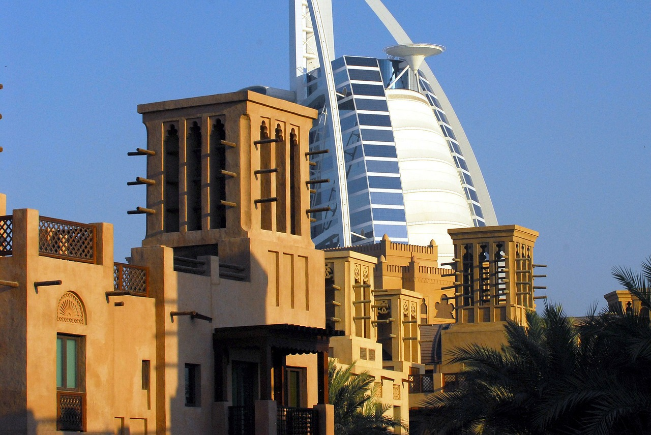 Top 9 things to do in old dubai for Top most hotel in dubai