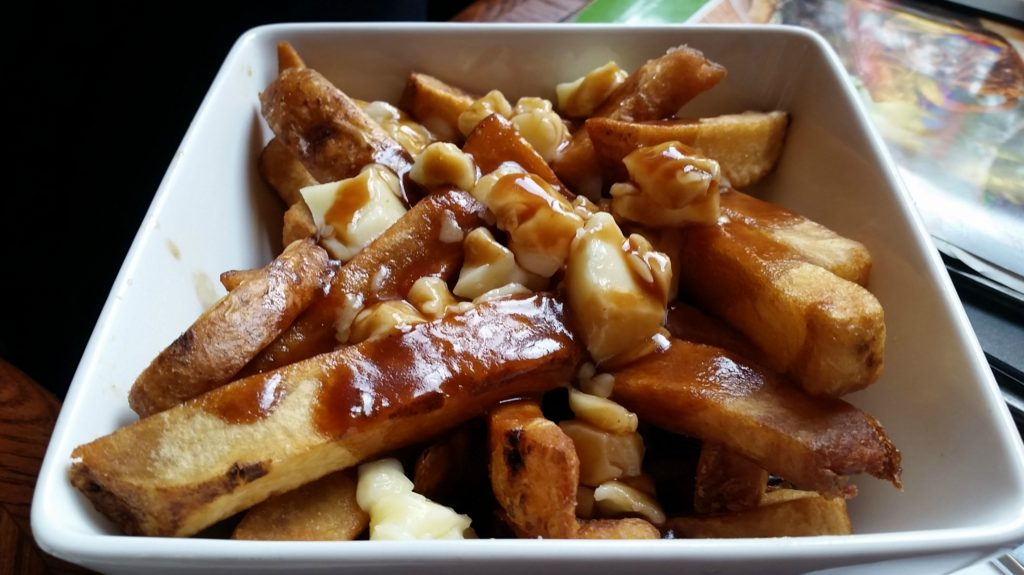 foods-from-around-world-poutine