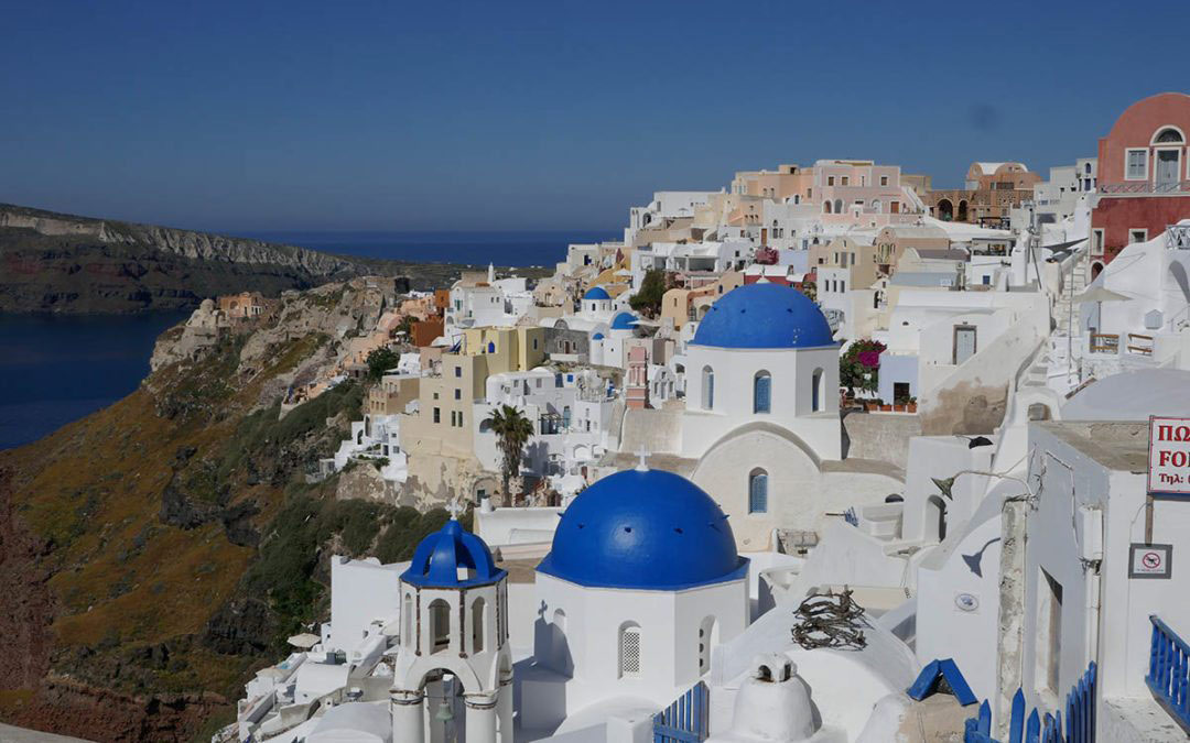 Exploring Oia, and Falling in Love with Santorini