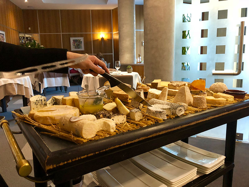 luxury-barge-cheese