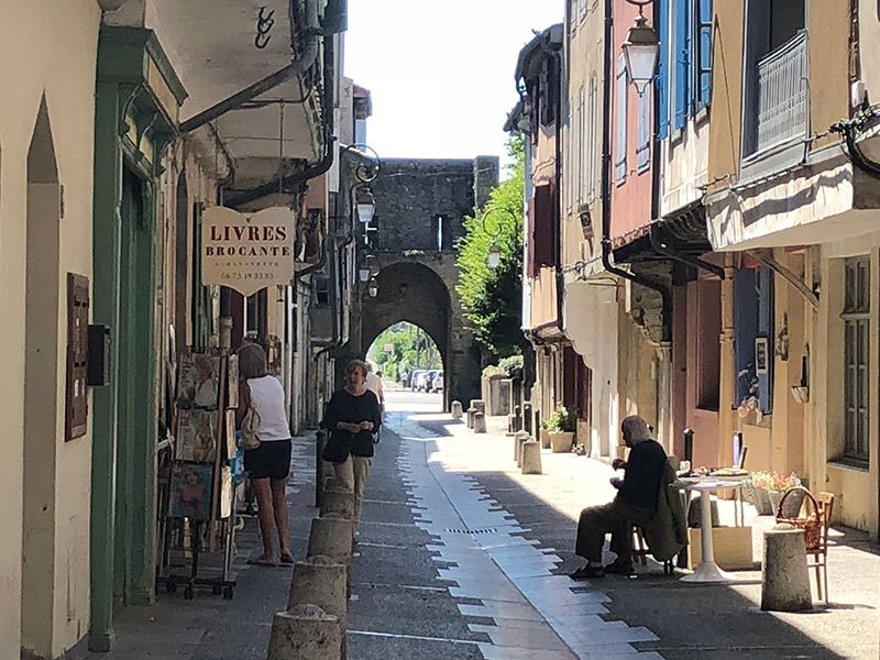Guide to Visiting Mirepoix, the medieval village in France