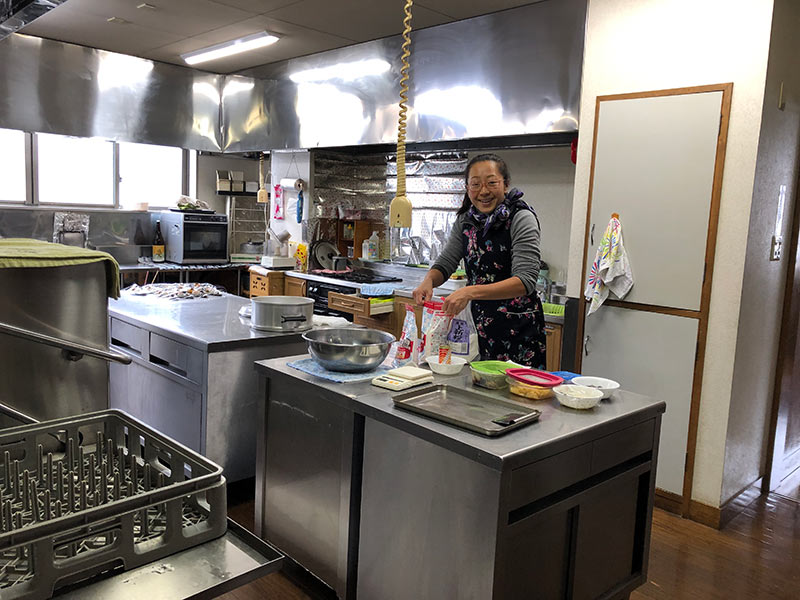 making oyaki in japan